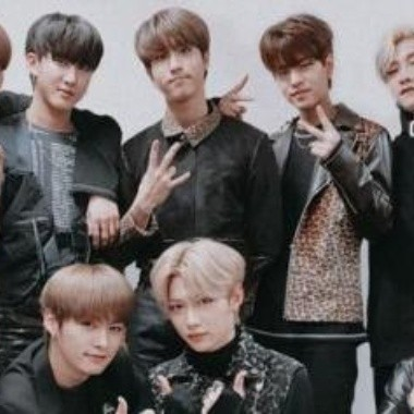 Stray Kids y Stay celebran su primera victoria con 'Levanter'